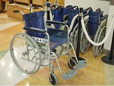 Photo : wheelchairs for rental